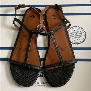 H&M faux croc black sandals women's size 8 used